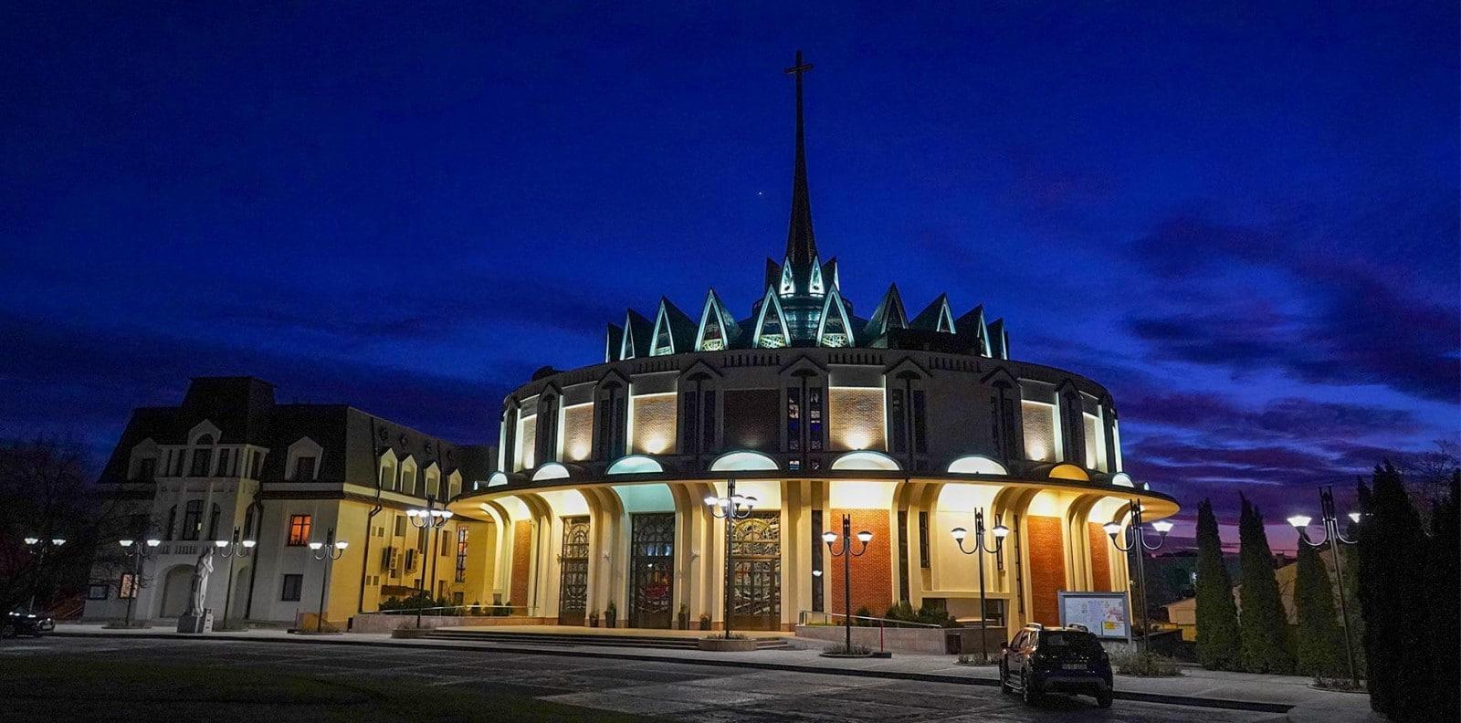 """Catedrala """"Sfânta Fecioară Maria Regină"""" din Iași"""