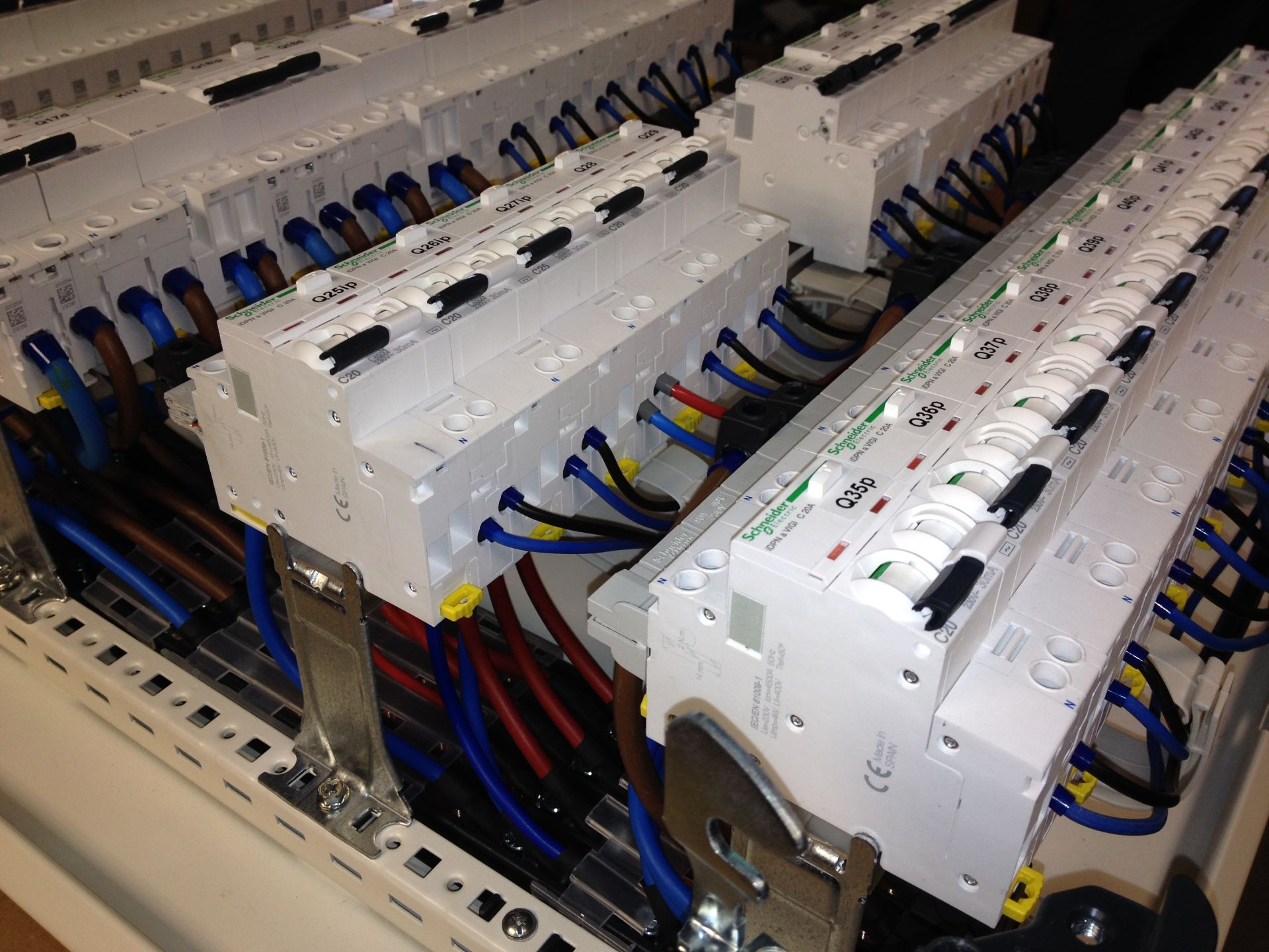 Tablouri electrice și automatizări IMG 1323