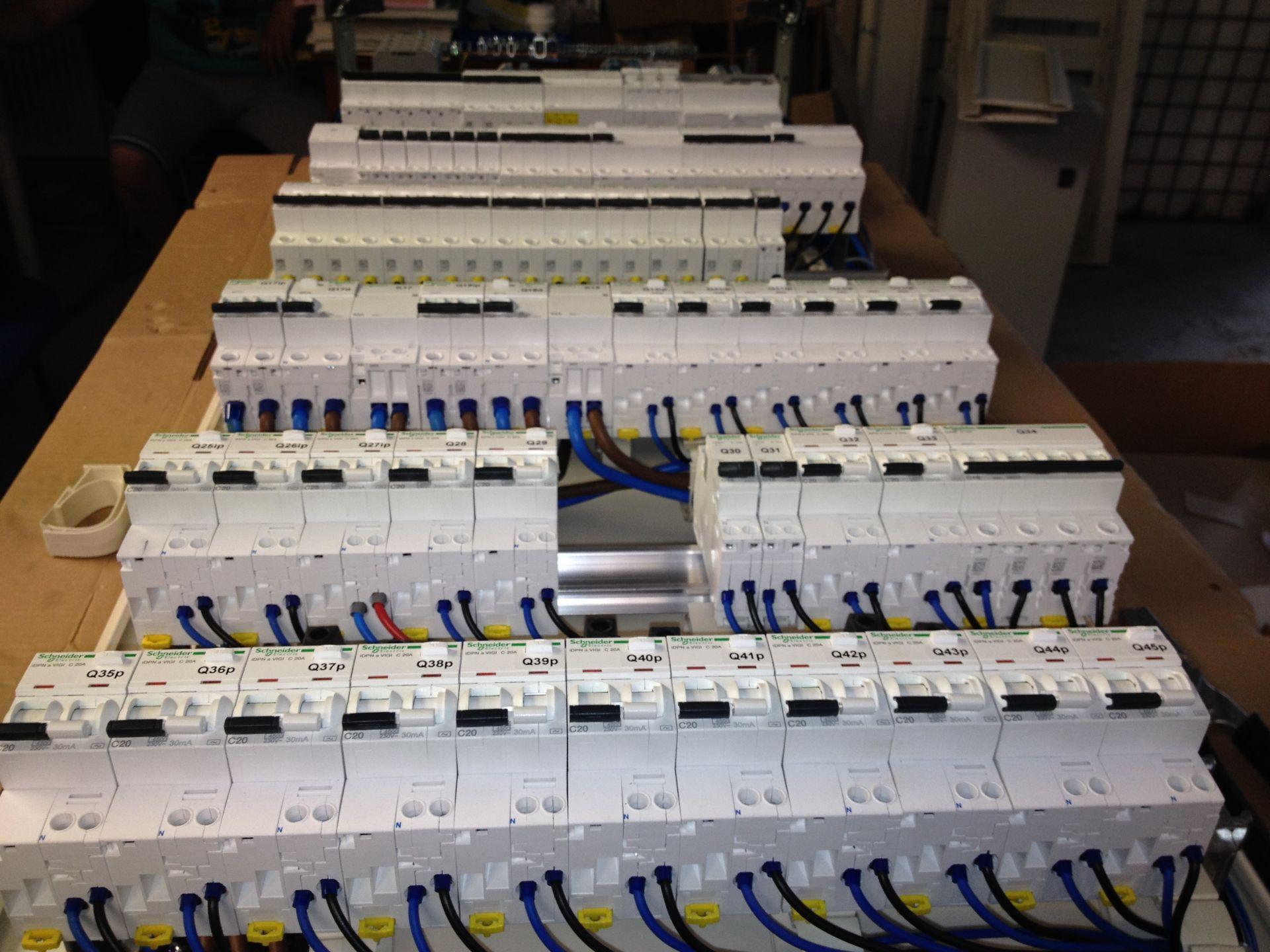 Tablouri electrice și automatizări IMG 1324