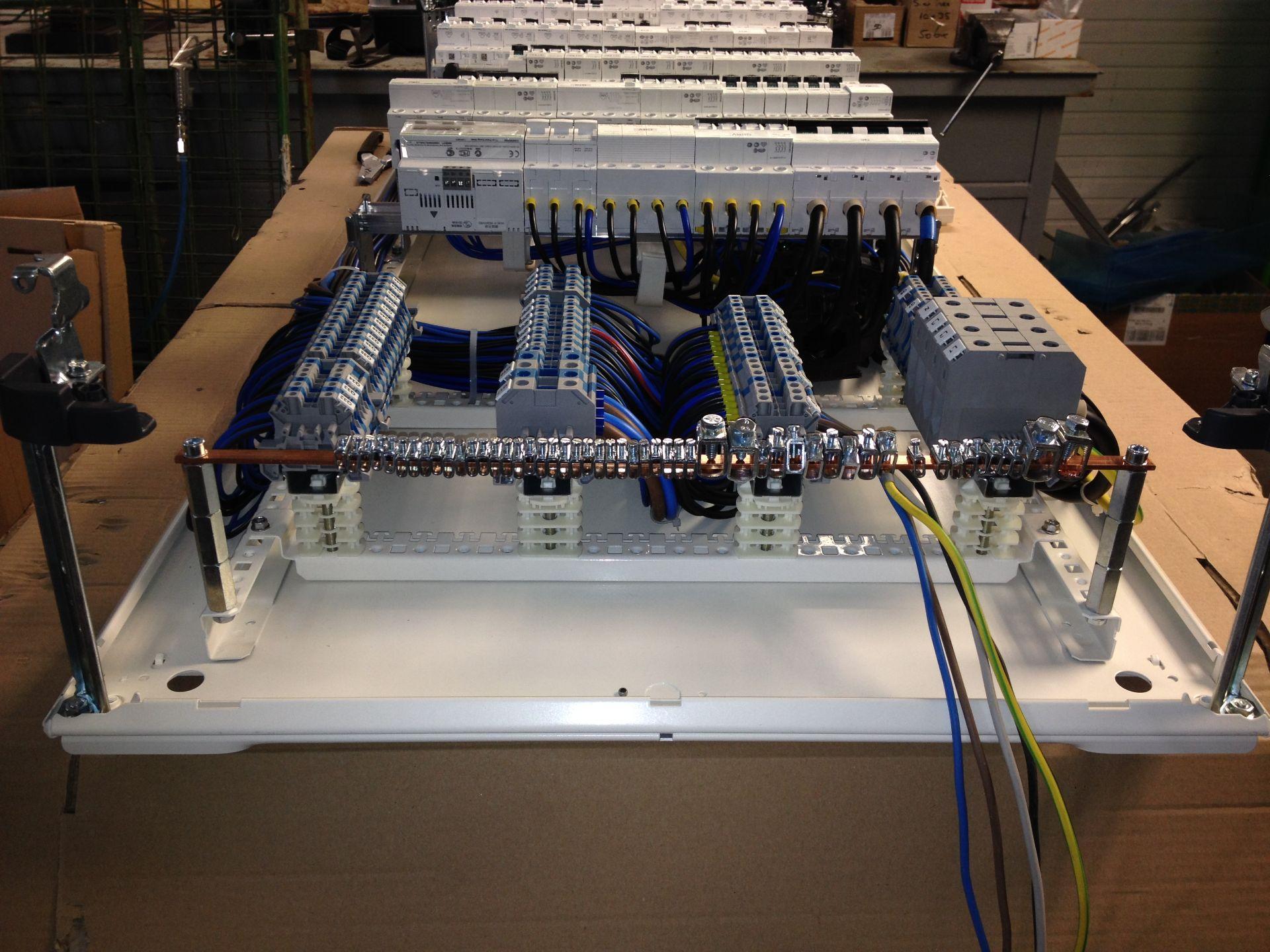 Tablouri electrice și automatizări IMG 1329