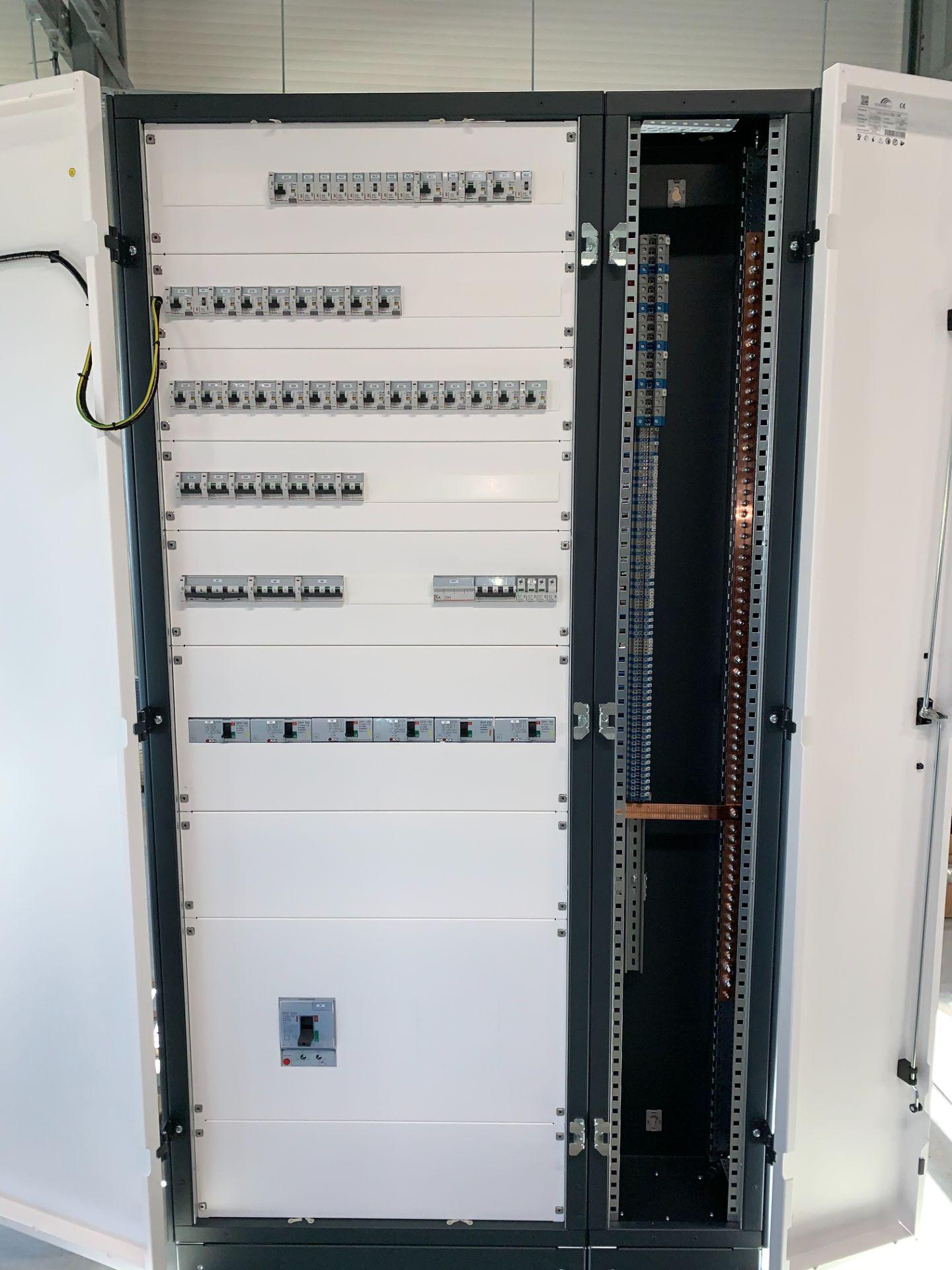 Tablouri electrice și automatizări IMG 2669